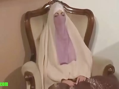 Arab mom sucking son dick