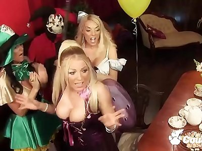 A Cum Swapping Orgy Breaks Out At A Tea Party In Wonderland