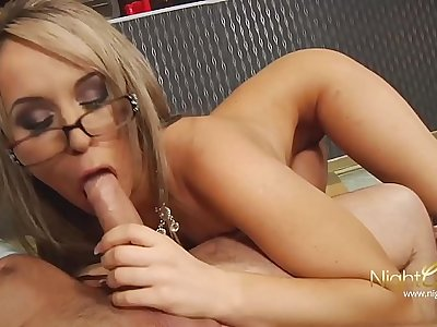 Perfect MILF fuck
